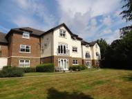 2 bedroom Apartment in Furze Hill, Kingswood