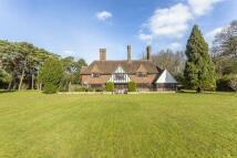 6 bed Detached property in Briar Hill, Webb Estate...