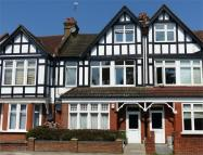 3 bedroom Maisonette in Croydon Road, BECKENHAM...