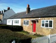 Cottage to rent in Mansion Lane, Iver...