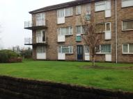 Flat in Quarry Crescent...