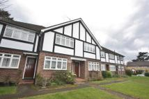 Maisonette to rent in Worcester Road, Sutton