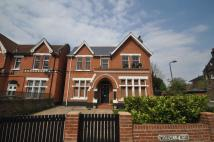 5 bedroom home in Woodville Road, Ealing W5