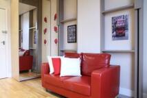 Studio flat in CLANRICARDE GARDENS...