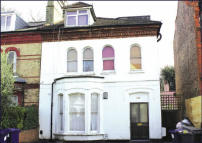 Flat for sale in 218C Ballards Lane...