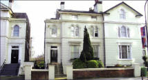 Flat in Flat 3, 127 Belsize Road...