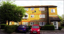 1 bed Flat in 14 Swell Court...