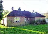 3 bedroom Bungalow for sale in 6 Highcroft Road, Felden...