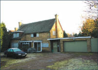3 bed Detached property in 94 Dropmore Road...
