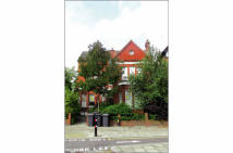3 bed Flat for sale in Flat 8...