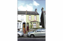3 bedroom semi detached house in 191 Davidson Road ...