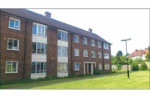 3 bedroom Flat in 11 Albert Close...