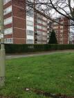 Flat to rent in Regents Park Road...