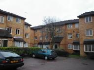 Studio flat in GREENWAY CLOSE, London...