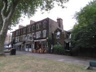 Flat to rent in Lauriston Road, London...