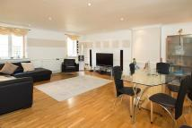 3 bedroom Apartment in Macklin Street...