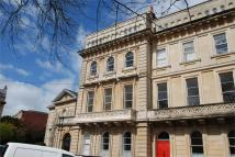 Apartment to rent in Victoria Square, Clifton...