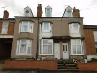 Flat to rent in Arnold Street, RUGBY...