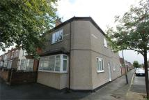 Flat to rent in Avenue Road, Rugby...