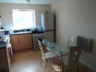 Bronte Close Flat to rent