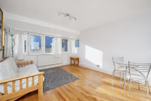 Flat for sale in Finborough Road...