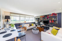Ground Flat for sale in Elm Park Gardens...