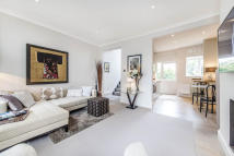 3 bedroom Flat for sale in Fulham Road, London. SW10