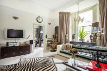 2 bed Ground Flat for sale in Redcliffe Gardens...