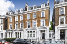 Ground Flat for sale in Gledhow Gardens...