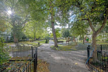 Ground Flat for sale in Redcliffe Square...