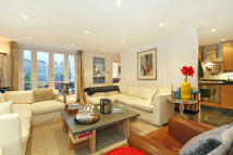 1 bed Flat for sale in Redcliffe Square...