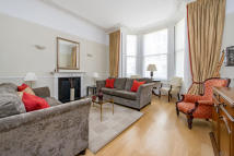 Ground Flat for sale in Queens Gate Place...