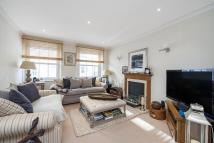 2 bedroom Mews to rent in Petersham Place, SW7