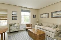 2 bedroom Flat to rent in Chelsea Walk...