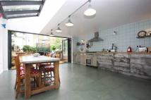 4 bed Terraced home to rent in St. Thomas's Rd...
