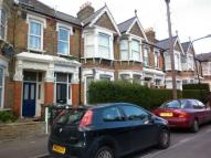2 bed Flat in Cleveland Park Crescent...