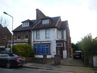 Grove Road Flat to rent