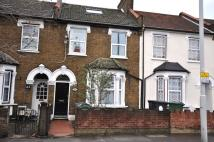 3 bedroom Flat to rent in Chingford Road, London