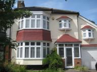 5 bed property to rent in Byron Avenue...