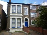 Flat in Hainault Road, London