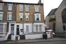 3 bed Flat to rent in Cricketfield Road...