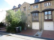 3 bed Town House to rent in Forest Road, Huddersfield