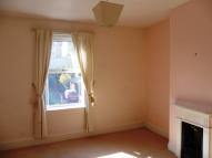 Wakefield Road Terraced property to rent