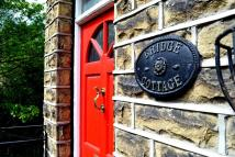 1 bedroom Cottage to rent in Eastgate, Honley