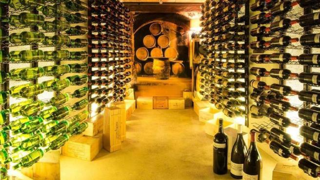 SUPERB WINE CELLAR