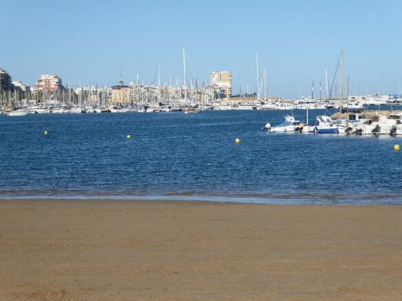 WALK TO BEACH