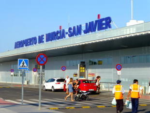 NEAR to 2 AIRPORTS