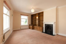 Flat in York Road, Teddington