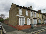 Stratford End of Terrace property to rent