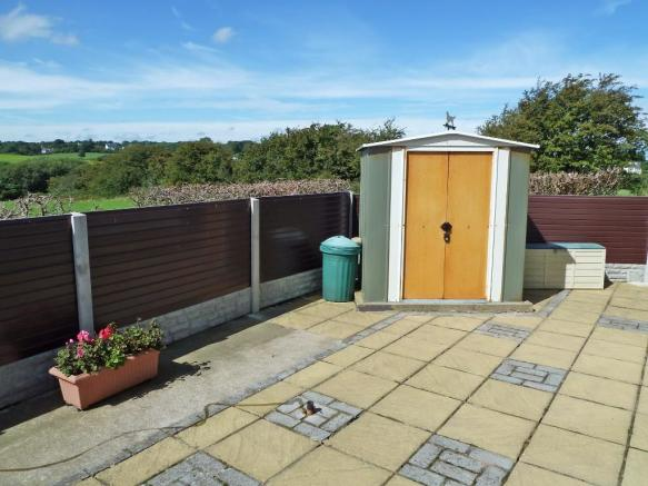 Rear patio/shed